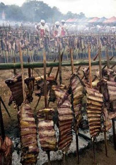 Причем можно было съесть столько мяса, сколько хочешь.